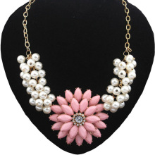 Four colors Big Resin Flower Rhinestone Simulated Pearl Statement Necklace Women Summer Style Necklaces & Pendants Jewelry