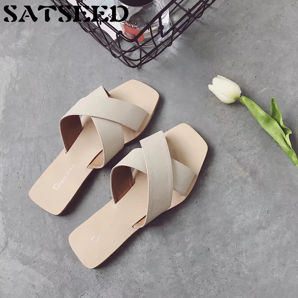New Summer Women Slippers 2018 Women Beach Slippers Shoes Black Outsides Slides White Low Heel Sewing Square Heel Casual Shoes xiaying smile summer woman sandals square heel women slippers slides shoes women pumps fashion casual bling crystal women shoes