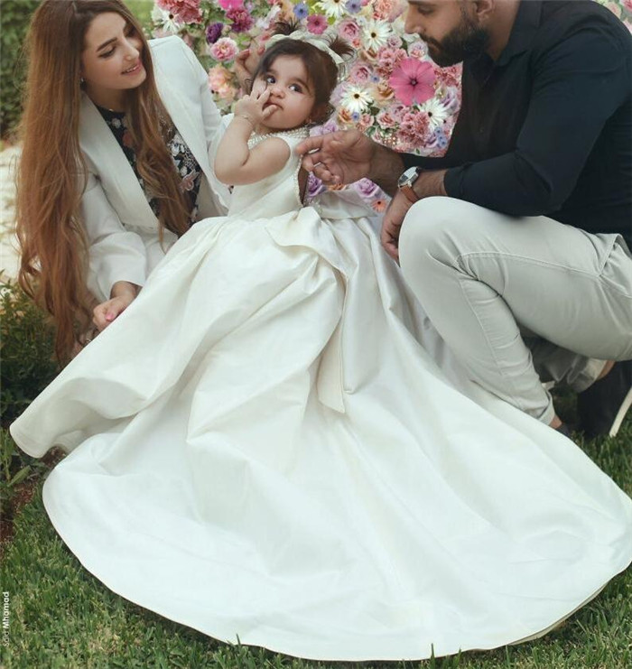 цена 2019 New White Ivory Baby Girls Dresses High Low O Neck Little Princess Birthday Party Dress Christmas Gown with Bow