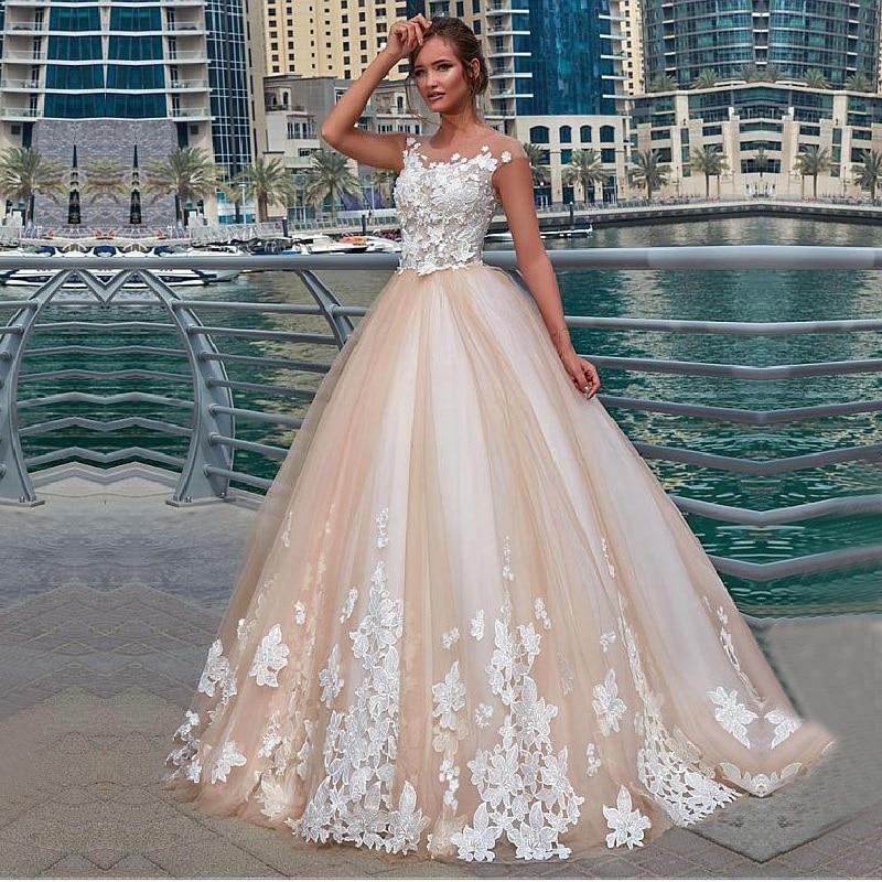 Vintage Ball Gown Wedding Dress Bride Scoop Neckline Lace Appliques Back Button Light Champagne Vestido De Noiva Bridal Gowns