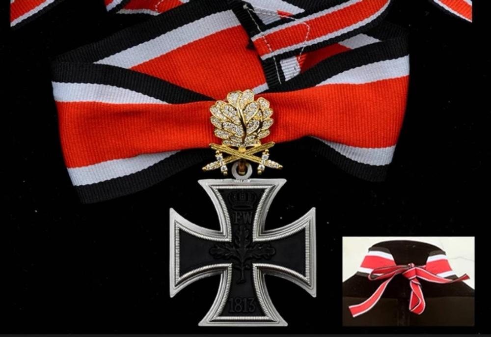WW1 german iron cross medal double swords oak leaf badge with box