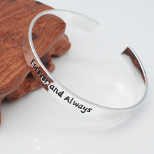 1Pc Silver Metal Cuff Women Bangles Fashion Love Heart Letters Carved Opening Bracelet Bangle Women's Fine Jewelry Great Gifts