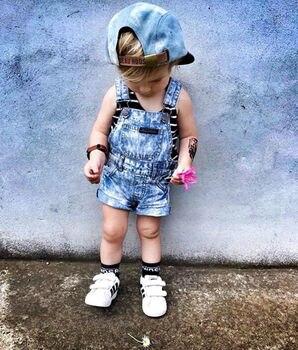 2018 جودة عالية ملابس الأطفال طفل بارد فتاة الصبي الدنيم وزرة مريلة السراويل السراويل رومبير وتتسابق ملابس الصيف 6 متر-6 طن