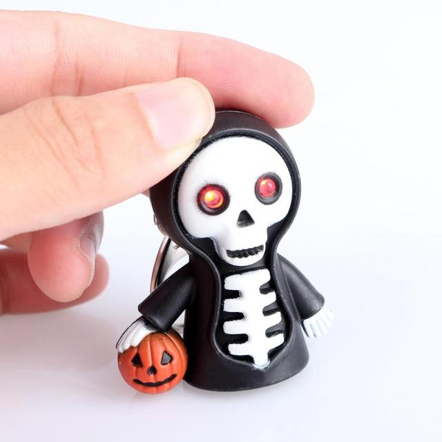Skull LED Light Torch Scary Sound Keyring Toy Halloween Party Favor Supplies Holiday Supplies