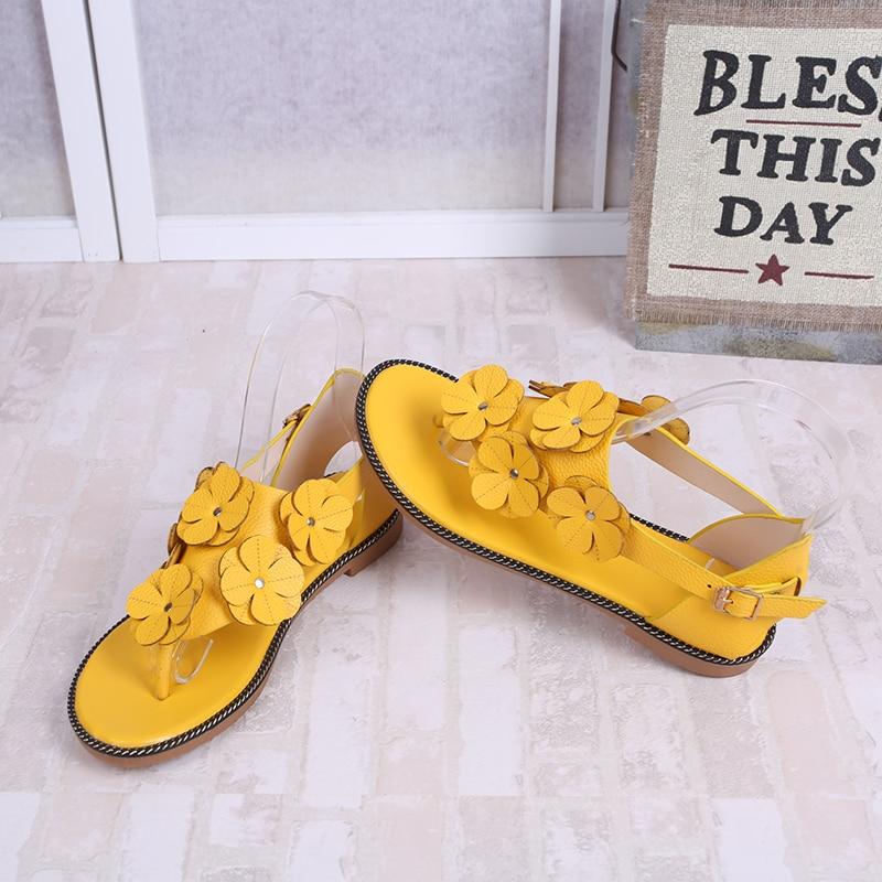 Frauen Schuhe Ymechic 2018 Süße Mädchen Dame Nieten Ankle Strap Grau Gelb Schwarz Feder Design Flache Ferse Gladiator Sandalen Frauen Sommer Schuhe