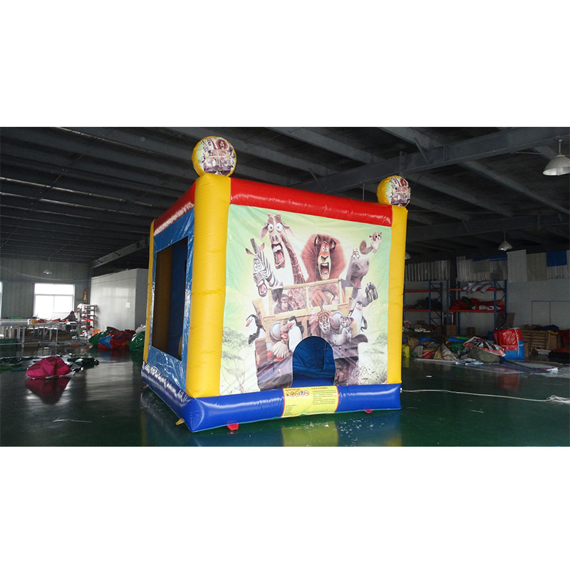 Free custom patterned inflatable castle childrens toy trampolineFree custom patterned inflatable castle childrens toy trampoline