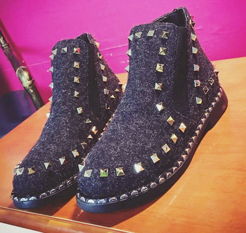 10..Womens winter boots 2016 Europe fashion Popular rivet with flat bottomed shoes woman boots winter ankle boots