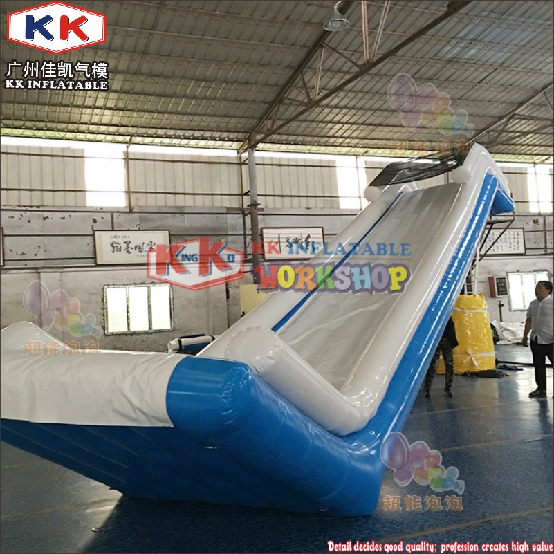 Factory Direct Sale Fireproof Cruiser Luxury Yacht Slide / Inflatable Floating Water Slide For Boat