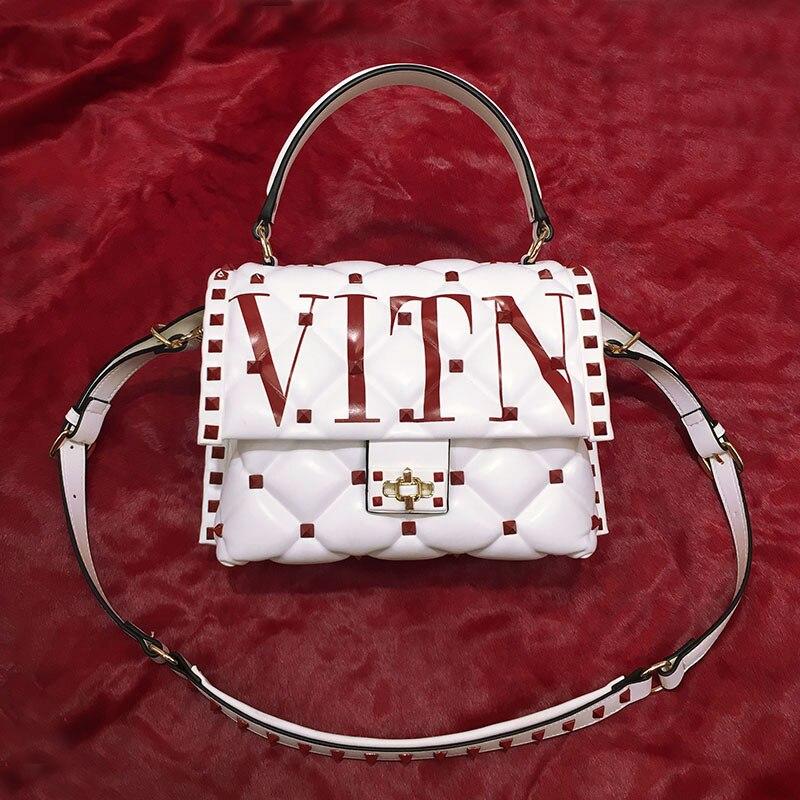 Sacs de luxe pour femmes, sacs à bandoulière de marques de mode italiennes bien connues, sacs à main en cuir véritable Rivet, sacs fourre-tout design lettre