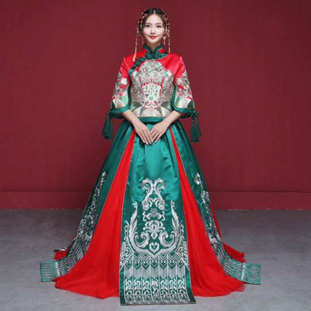 2018 Green Embroidery Cheongsam Long Qipao Wedding Dress Traditional Chinese Dresses China Clothing Bride Traditions