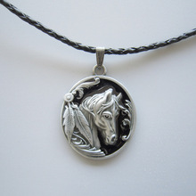 New Classic Black Enamel Western Horse Oval Metal Charm Pendant Leather Necklace