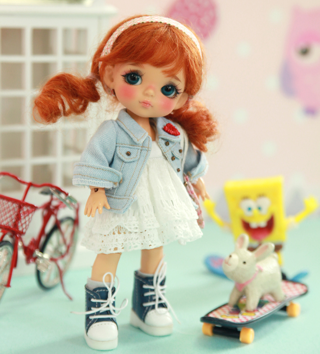 Free Shipping 1/8 BJD Yellow-berry Doll