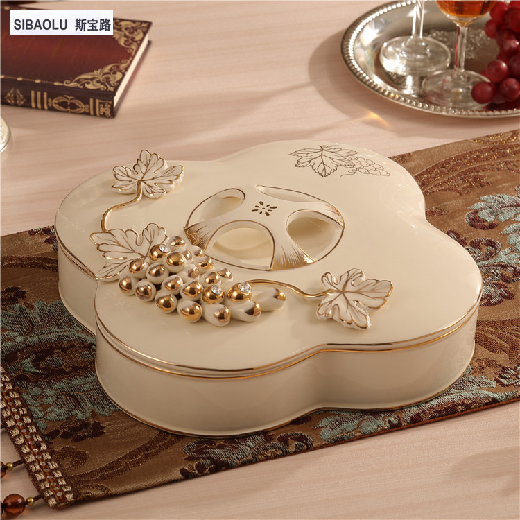 Ceramic candy tray Dried fruit plate with cover grape Candy boxes for wedding gifts home decorations