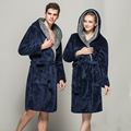 2017 Mujeres Unisex Night-bata de Noche-traje Para Hombre hombres Túnica Con Capucha de Señora Con Capucha Bata de Franela Engrosamiento de la Felpa suave Albornoz MT341