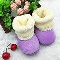 Sapatos de bebê recém-nascido quente 1 ano criança sapatos meninos primeiro Walkers algodão outono Coral de veludo berço botas T0090