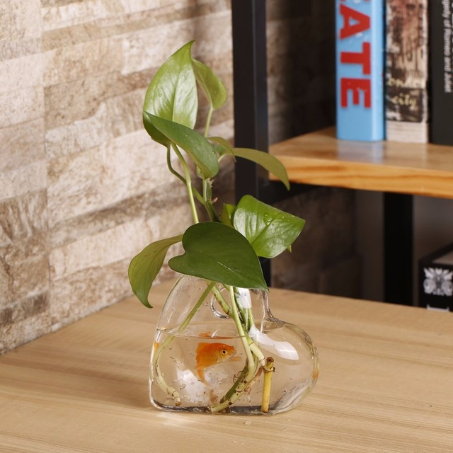 Transparent Heart Shaped Wall Hanging Vase Hydroponic Container