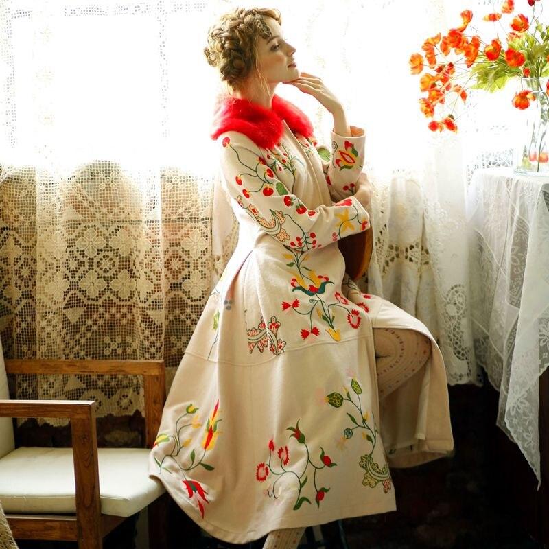 LYNETTE'S CHINOISERIE D'hiver Conception Originale Femmes Haute Qualité Broderie Fleurs Vintage Mince De Laine Mince Survêtement de Pardessus