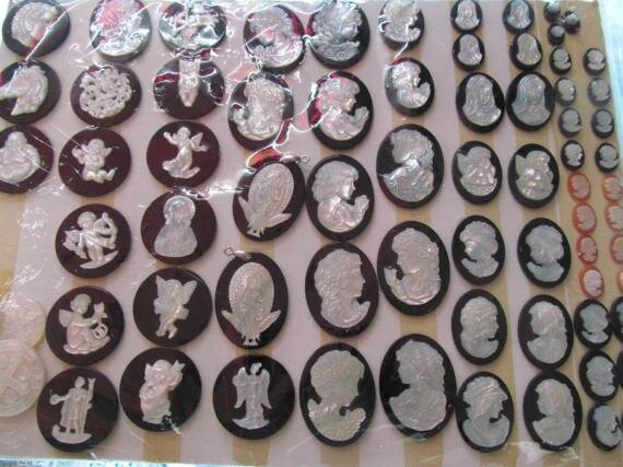 6 pièces 12-18mm fait à la main en nacre blanche bijoux en coquille vierge marie ovale camée Cabochon perles avec pendentif en agate noire