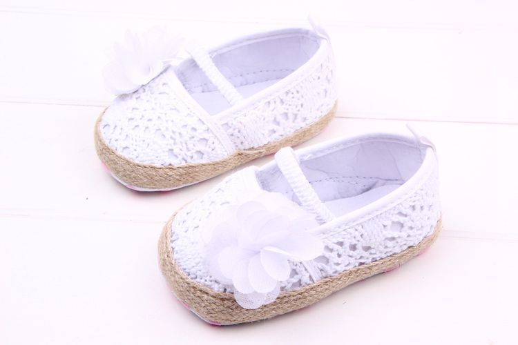 Lovely 1pair Flower Baby antiskid Girl First Walkers,Brand toddlers/Newborn Prewalker Soft Shoes