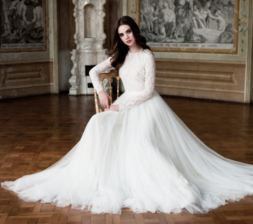 Wedding Dresses Wholesale : Wedding dress bridal vintage long sleeves beach lace gowns sheer