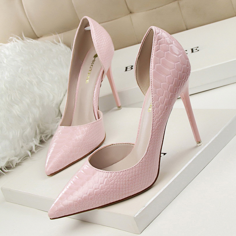 Spring Autumn Sexy Nightclub women pumps Shallow mouth Pointed Side hollow Stone pattern 10 CM Fine high heels shoes 14cm sexy fine with nightclub shiny diamond high heels spring and autumn shallow mouth princess wedding shoes