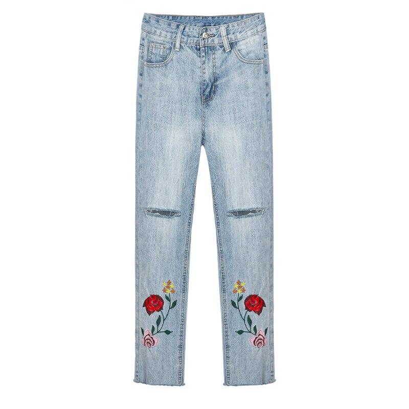 Flower Embroidery Jeans Female Blue Casual Harem Pants Women 2017 Spirng Summer New Pockets Straight Jeans L448 women ripped flower embroidery jeans female spring summer light blue pockets casual denim harem pants ladies bottom retro l472