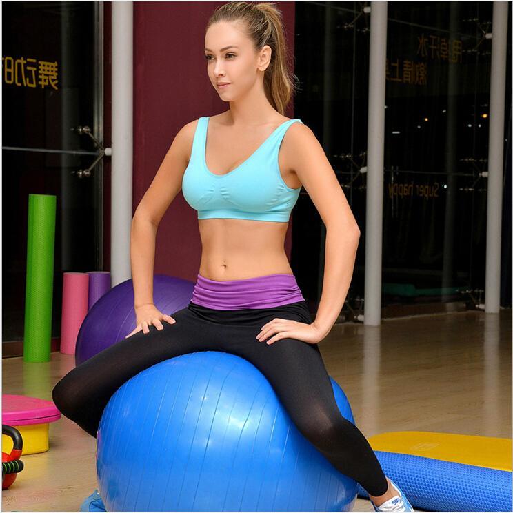 Woman In Yoga Pants   Gpant