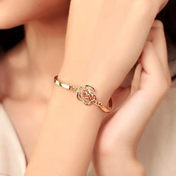 New Fashion 1pcs Rose Flower Crystal Bracelet Hand Chain Women Hand Hollow Out Gold Color Brace Lace Ornament Women Jewelry