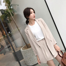 Trajes cortos para mujeres chaqueta Blazer manga completa y pantalones  cortos calientes traje pantalón femenino Casual e25a6f93a24c