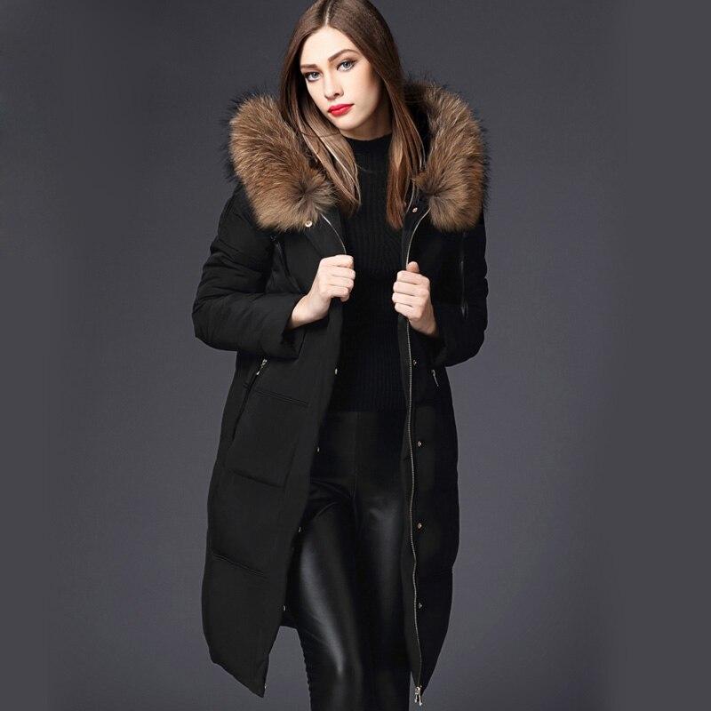 Nueva Big Raccoon Pieles de animales capucha invierno pato Abrigos de  plumas chaqueta mujeres parka natural Piel auténtica capa para mujer  espesamiento capa ... b5f99307b49f
