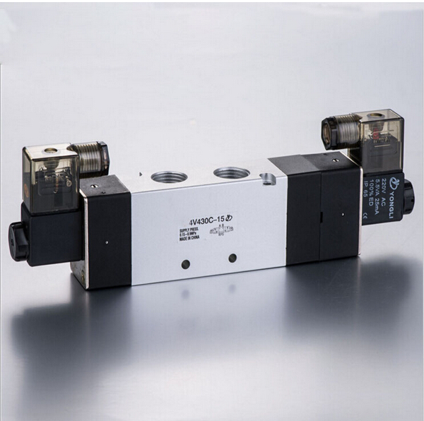 1/2 Double head three position close type solenoid valve 4V430C-151/2 Double head three position close type solenoid valve 4V430C-15