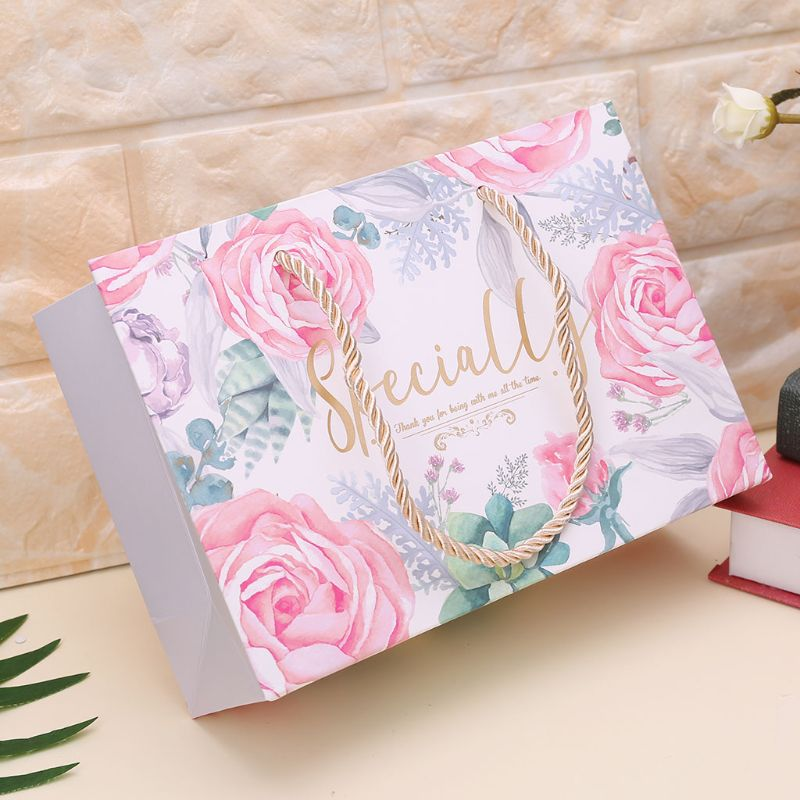 Paper Gift Bag With Handle Wrapping Package Festival Jewelry Wedding Party Bags Birthday Supplies Christmas Gift Bags