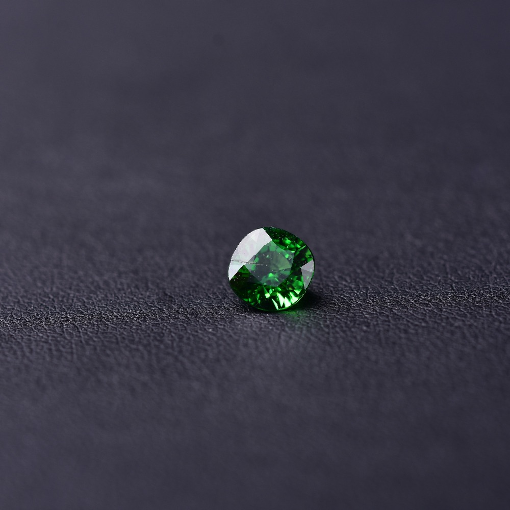 1.22ct Grün Granat Edelstein Perfekte Qualität Edelstein 5,8*5,8*4,3mm Modern Und Elegant In Mode