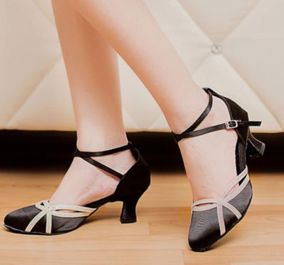 quality design 35850 14546 Nouvelles Dames Filles Fermer Toe Noir Satin Salsa Tango Ballroom  Chaussures De Danse Latine Chaussures De