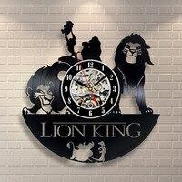 Aslan duvar saati yapılmış vinil kayıt