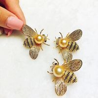 wow! freshwater pearl white/black/yellow hony bee brooch wholesale beads nature christmas gift