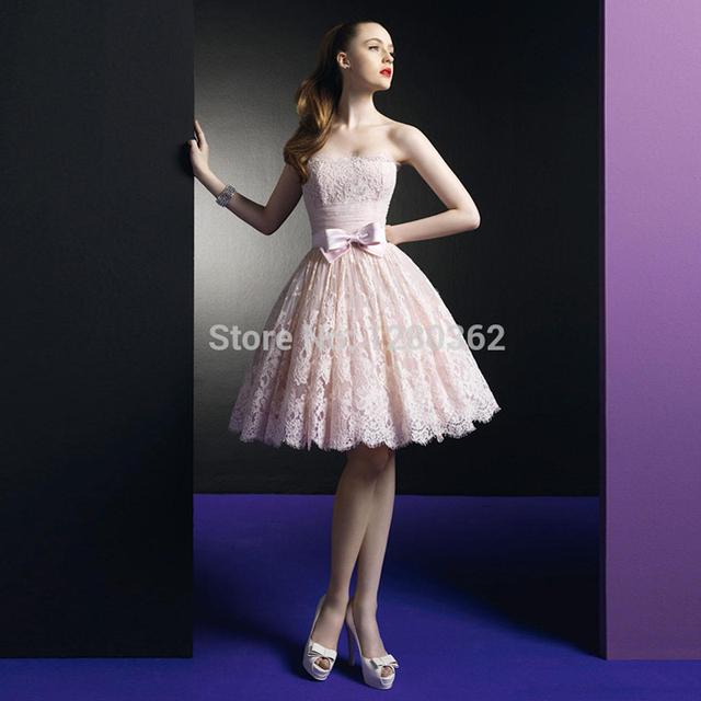 Laço cor de rosa Vestidos Curtos Prom 2017 A Linha de Vestido De Festa Strapless Lace Vestidos Com Bow Graduação Regresso A Casa Vestidos de Cocktail