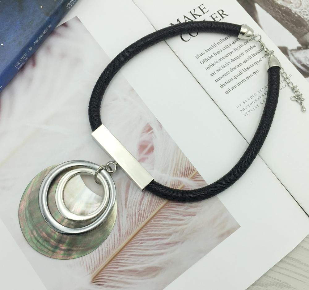 Ethnique rond conque pendentif collier ras du cou grand alliage cercle Maxi Bijoux femmes couleur argent exagéré collier Bijoux