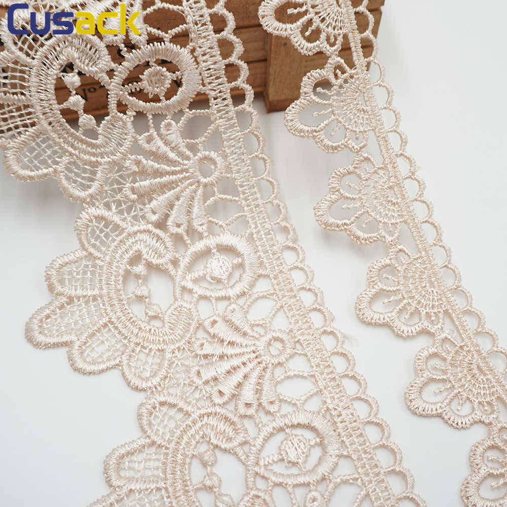 Beautiful White Lace with Embroidery 35mm Big Discount on Multi Buy 1 Meter