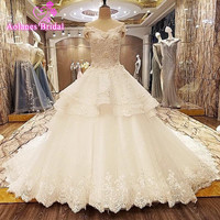 Gorgeous Ball Gown Wedding Dresses 2017 New Off The Shoulder Lace Beaded Applique Sleeveless Arab Wedding