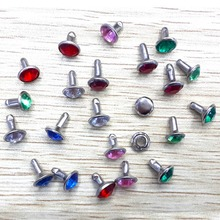 Color with diamond rivets. 8mm drill buckle. DIY bags decorative nails.100 sets a variety of colors mixed. Acrylic drilling rive