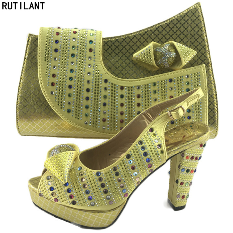 Sacs Couleur Vert De Ensembles Femmes Africain Africaine Et Sac or Assortis Nigérianes rouge vert Italien Chaussures Les Mariage Assorties Dans Bleu qXwdrFBw