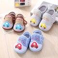 Impresión del diseño del coche del niño del bebé primeros caminante del bebé antideslizante niño genio bebé zapatos de los niños