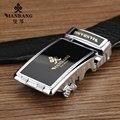 2017 Nuevos hombres Del Diseñador cinturones de Marca de Lujo de piel de vaca correa de cuero Automática Hebilla de plata cinturón Negro MBP0025YS