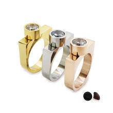 Luxury Brand Celebrity BLOGGER Gold D Bar Magnet Bar Ring Crystal Interchangeable Stainless Steel CZ Crystal Lover's Ring