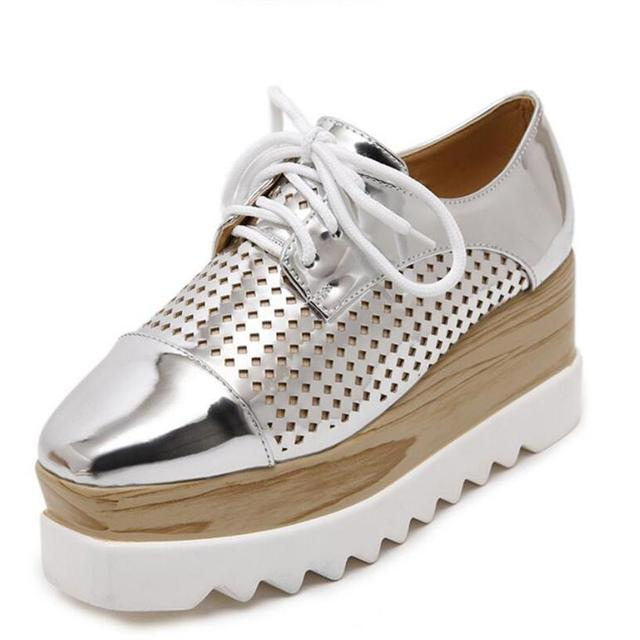 Women Platform Shoes Oxfords Brogue PU Leather Flats Lace Up Shoes Creepers Vintage Hollow Light Soles Silver Casual Shoes