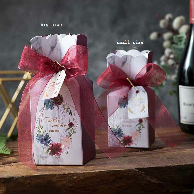 free shipping 100pcs custom logo Wedding favor and gifts box candy box a gift for guests