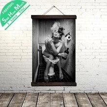 дешево!  Женщина Курение Туалеты Свиток Живопись Холст Старинные Плакат и Печать Wall Art Pictures Гостиная