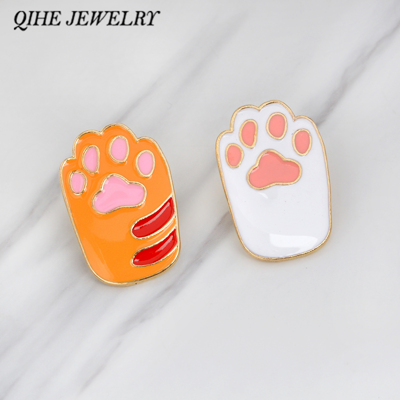 QIHE JEWELRY Brooches&pins Pet paw foot print enamel pin Cat dog paw jewelry Animal lover button icon decorating badge backpack