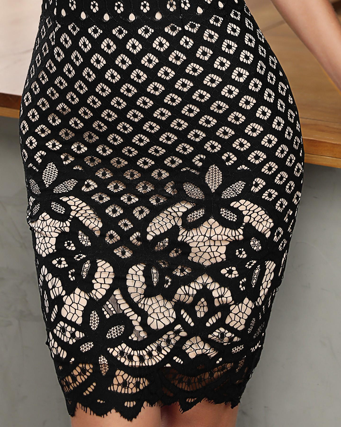 Black Hollow Out Lace Stitching Party Dress 9